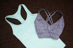 модная концепция 2 футболки спорт Взгляд сверху Стоковая Фотография RF