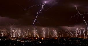 молния города сверх Стоковая Фотография