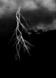 Молния на хмурой пасмурной темноте Стоковое Изображение