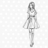Модное лето ищет женщина иллюстрация штока