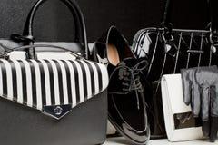 Модные женские перчатки аксессуаров, сумки, ботинки Накладные расходы  Стоковые Изображения