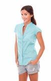 Модные джинсы дамы вкратце смотря вас Стоковые Изображения RF