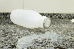молоко бутылки пустое Стоковое фото RF