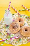 Молоко и donuts Стоковая Фотография RF