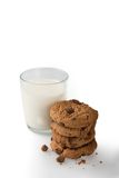 Молоко & печенья на белой предпосылке Стоковое фото RF