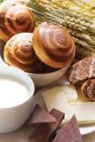 молоко стекла bagels Стоковое фото RF