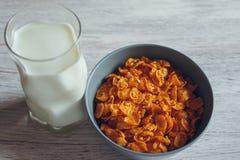 молоко cornflakes стоковое фото