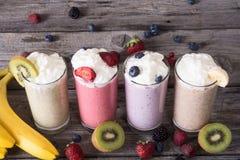 Молочный коктейль с ягодами стоковое фото rf