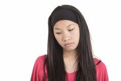Молодая азиатская девушка, изолированная на белой предпосылке стоковое изображение rf