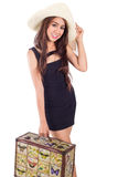 Молодая азиатская женщина с сумкой для перемещения стоковое изображение rf