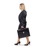 Молодая белокурая бизнес-леди на ее дороге к успеху Стоковые Фотографии RF