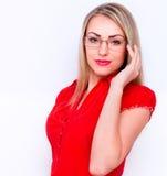 Молодая бизнес-леди изолированная над белой предпосылкой Стоковое фото RF