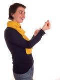 Молодая взрослая женщина с короткими волосами, желтым шарфом, голубыми джинсами на белой предпосылке в различных представлениях,  Стоковая Фотография RF
