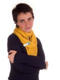 Молодая взрослая женщина с короткими волосами, желтым шарфом, голубыми джинсами на белой предпосылке в различных представлениях,  Стоковые Изображения