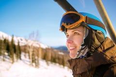 Молодая девушка snowboarder Стоковые Фотографии RF