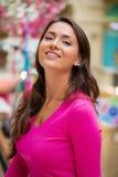 Молодая женщина брюнет стоковые фотографии rf