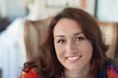 Молодая женщина в кафе Стоковое Изображение