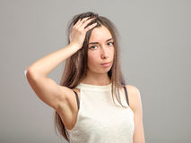 Молодая женщина в нажатии Стоковые Изображения
