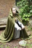 Молодая женщина в средневековой одежде Стоковое Изображение