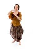 Молодая женщина делая время вне сигнализирует с руками Стоковые Фотографии RF