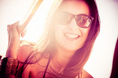 Молодая женщина на шлюпке Стоковые Изображения RF