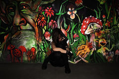 Молодая женщина пробуя убить Стоковые Изображения RF