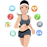 Молодая женщина спорта здоровья бежать с умным прибором вахты Стоковые Изображения