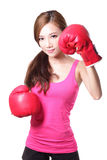 Молодая женщина спорта с перчатками бокса Стоковые Изображения RF