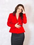 Молодая женщина страдает от головной боли Стоковое фото RF