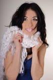 Молодая женщина с белым шумоглушителем Стоковые Изображения RF