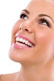 Молодая женщина с большими здоровыми зубами Стоковые Фотографии RF