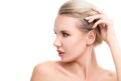 Молодая женщина с совершенной чистой кожей Стоковая Фотография