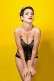 Молодая красивая девушка в панке одежд кожаном Стоковые Фотографии RF