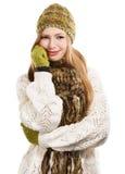 Молодая красивая стильная белокурая женщина в variegated knitt меланжа стоковые изображения rf