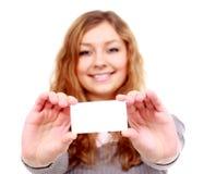 Девушка в визитной карточке - изолированной над белой предпосылкой Стоковое Фото