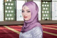 Молодая мусульманская девушка Стоковое Изображение