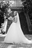 Молодая невеста на дне свадьбы стоковые изображения rf