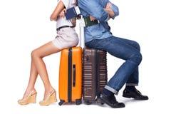 Молодая пара готова путешествовать Стоковое фото RF