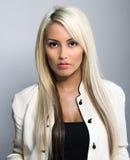Молодая привлекательная бизнес-леди Стоковые Изображения