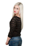 Молодая сексуальная женщина с длинними светлыми волосами стоковая фотография rf