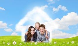 Молодая семья бесплатная иллюстрация
