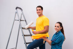 Молодая стена картины пар дома Стоковая Фотография RF