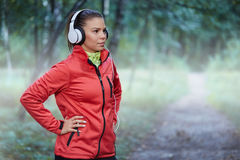 Молодая determinate спортсменка стоковое изображение rf