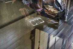 Молодежная культура деятельности при пиццы единения приятельства людей Conc Стоковые Изображения