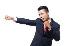 Молодое азиатское бой бизнесмена Стоковые Фото