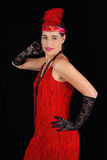 Молодое красивое брюнет в платье одежды 1920 стилей красном и fe Стоковое Изображение
