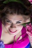 Молодое красивое плюс модель размера, портрет женщины xxl Стоковое Изображение RF