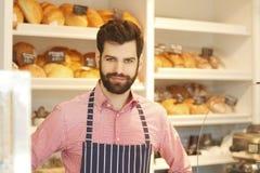 Молодое предприниматель кофейни стоковое изображение rf