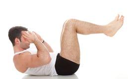 Молодое isolat тренировки парня модели мышцы фитнеса человека спорта моды стоковая фотография
