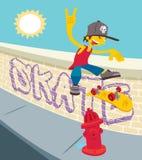 Молодой белый скейтбордист - сальто 360 Стоковая Фотография